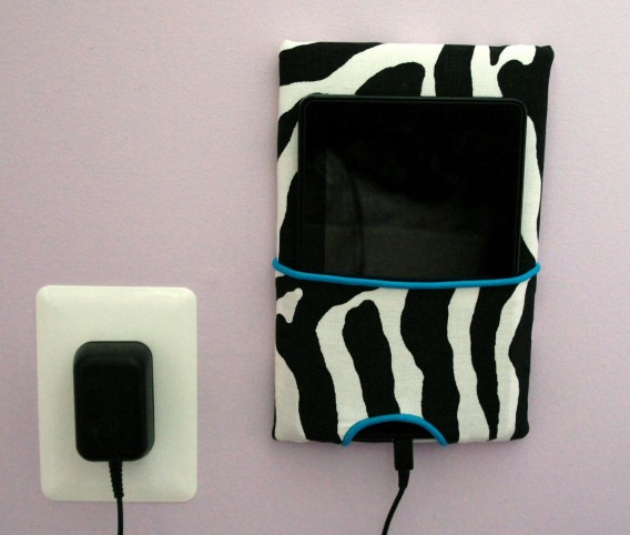 tablet charging pouch via addies jabs on etsy // weeky loves @ little bit heart