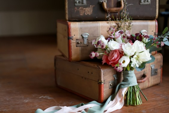 old world travel wedding inspiration shoot // photography: sarah goodwin, florals+coordination: haley tobias, paper: little bit heart, rentals: ginger & spice